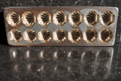 Metal, Bivalve-006